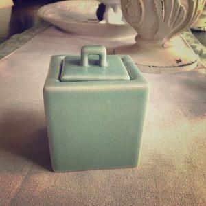 Cube shaped glazed ceramic box with lid